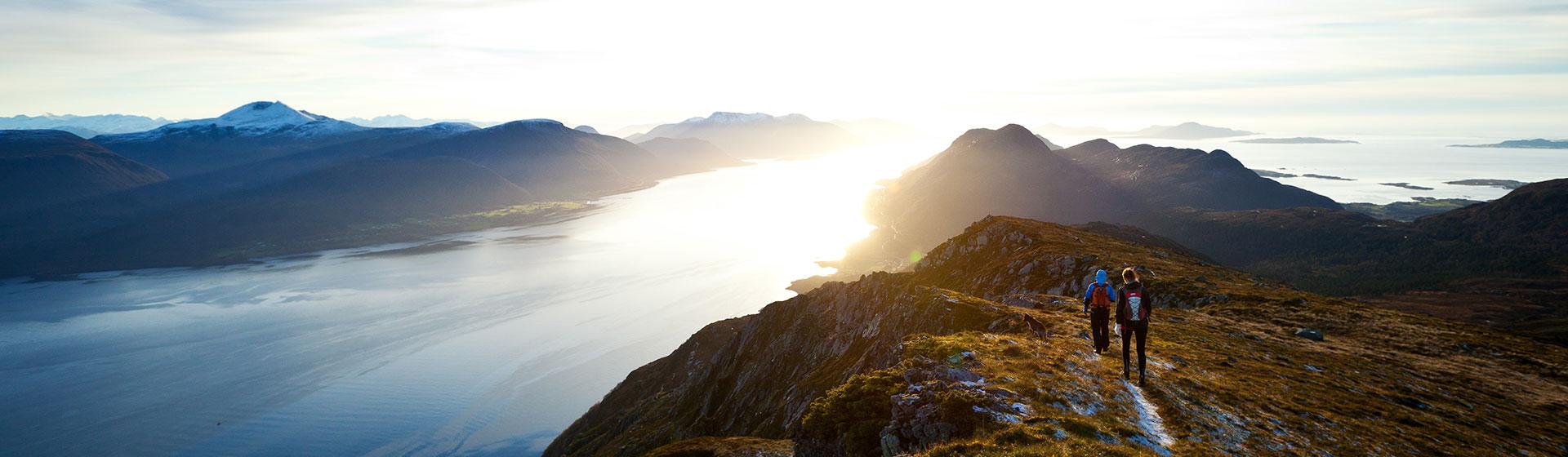 mountain-hiking-people